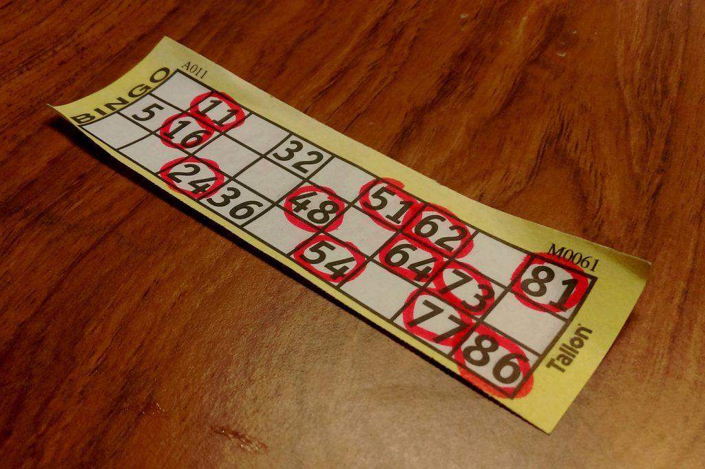 Bingo met 90 ballen (bron: Kevin Doncaster/https://flic.kr/p/EzSU3q)