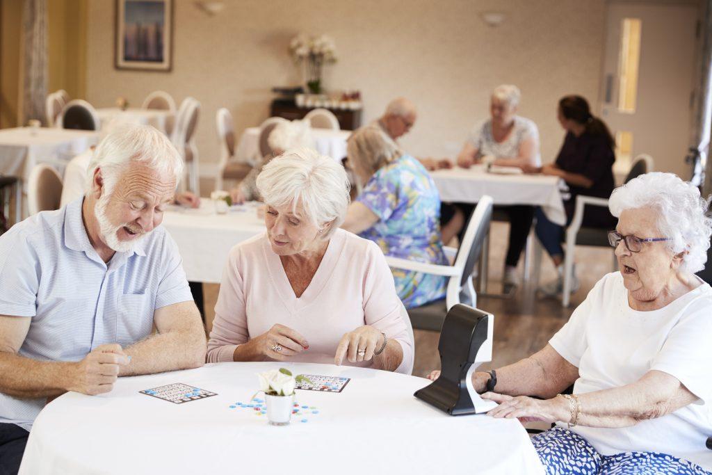 Een bingo organiseren in een bejaardentehuis mag onder bepaalde voorwaarden. Wel moet de bingo aangemeld worden bij de gemeente.
