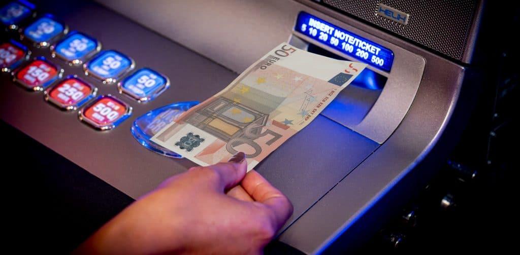 Cashgeld in een slotmachine