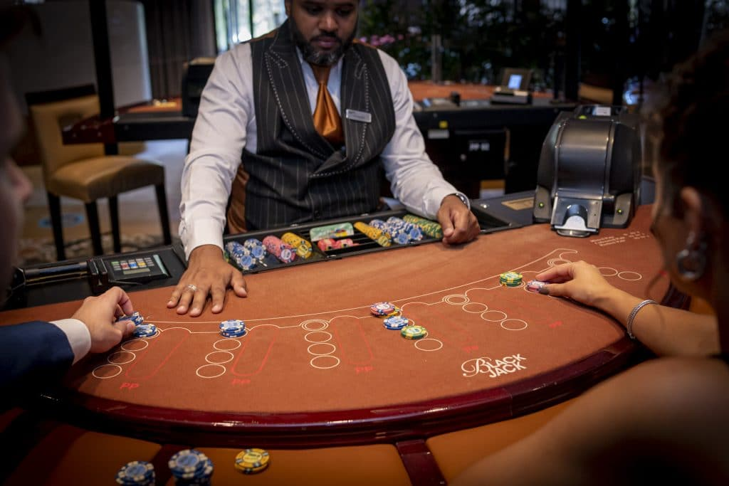 Holland Casino Blackjack volle tafel inzetten