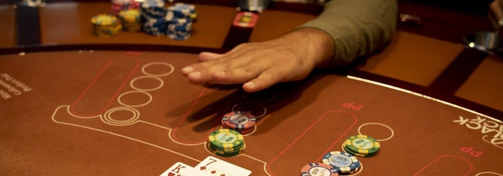 Holland Casino Blackjack passen veeg over tafel no hit 7K A7 17 tegen 5 18