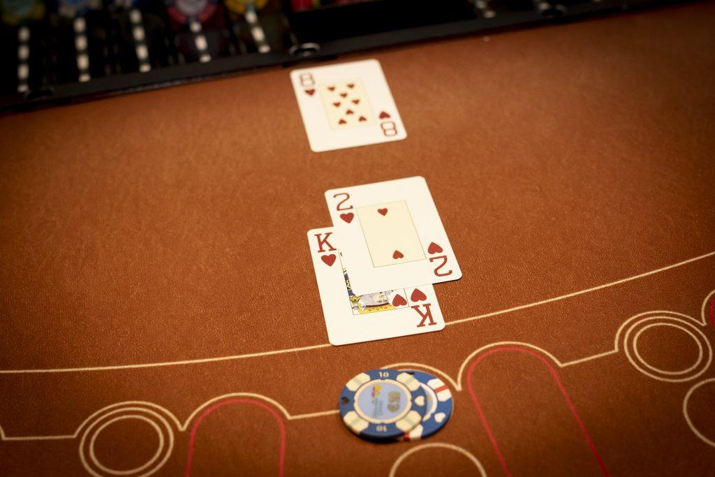 Holland Casino Blackjack black jack 12 tegen 8 21+3 flush