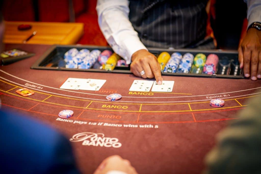 Holland Casino punto banco baccarat 3 tegen 5 voor Banco
