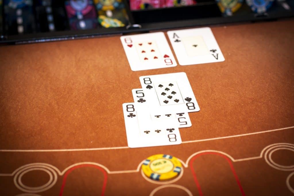 Holland Casino Blackjack speler 21 bank 17 speler wint winst €100