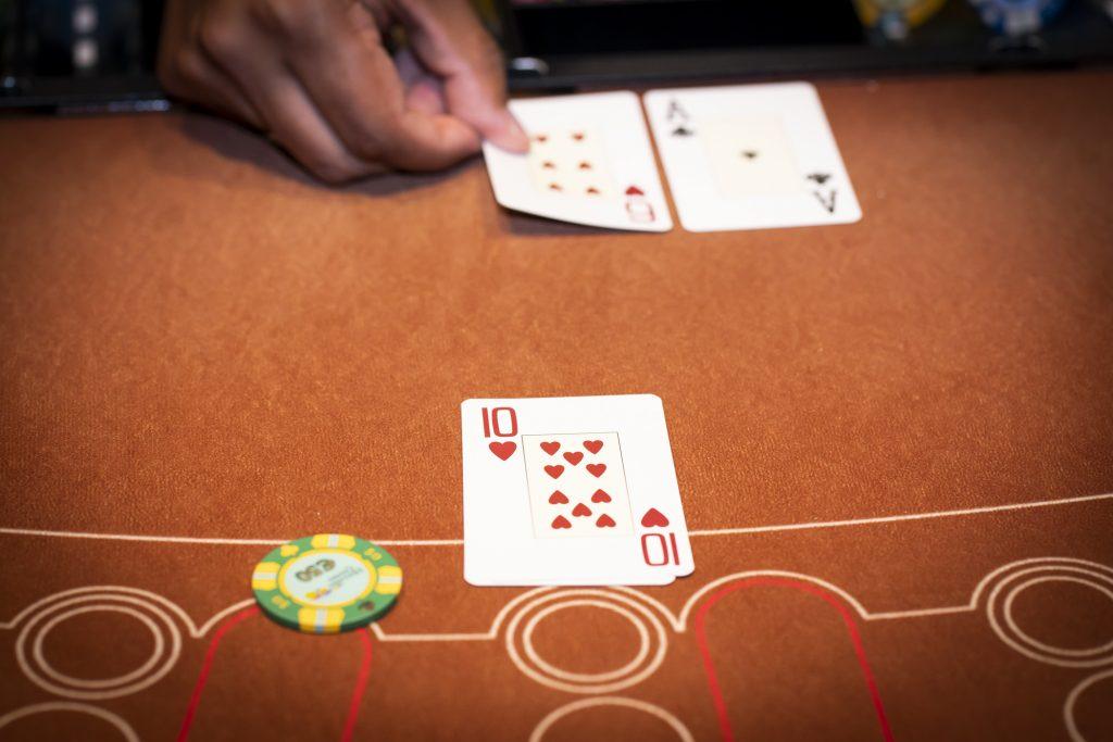 Holland Casino Blackjack speler kapot tegen 17
