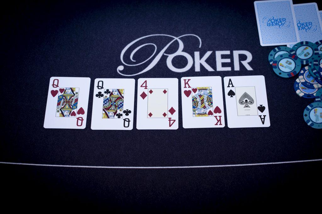 Holland Casino poker vrouwen QQ AK4QQ