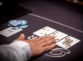 Holland Casino poker flop AQ2 cashgame
