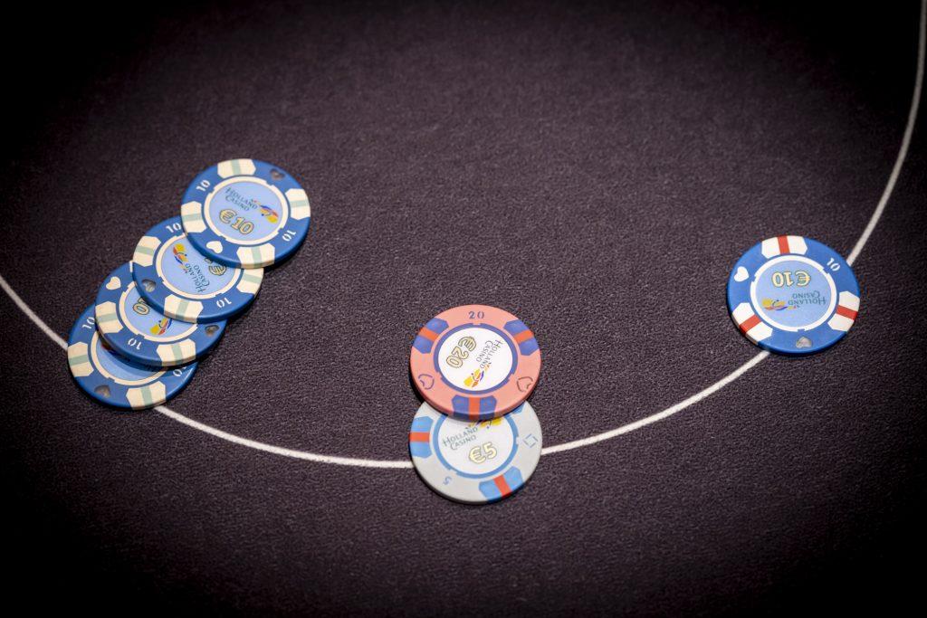 Holland Casino poker raise en reraise driebet 3-bet €10 €25 €40
