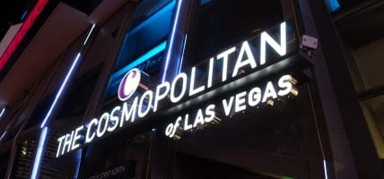 The Cosmopolitan Las Vegas (foto via Jeremy Thompson op Flickr https://www.flickr.com/photos/rollercoasterphilosophy/34919801223/in/photolist-9xNPGn-9xScPG-VcK8nx-9xPiJc-9xSj95-VcK7Di-VcK7jk-92PEsR-9xPrat-q1fAk3-9xSvwb-9QmyQ1-6SoU1q-dr3QRH-bNJKut-bNJJw4-9xSCnL-UqQEHa-o2h4Dh-oitLWx-bzQ3ds-bzQ4do-emRdhR-oiJgy5-bNJFSa-bzQ5HW-bzQ5Sj-bNJFZR-oitLMK-o2i4wv-o2gZmR-bNJJTH-oizjtU-bzQ6h7-o2gLHf-oiLtBx-oiLtnz-bzQ7WY-bzQ3mN-dr3QQa-bzQ3ZW-bNJGbK-bNJGYB-bzQ4ry-bzQ7f5-bNJK1x-bzQ6KE-bzQ7wN-bNJKNF-7Ejv2f) te koop