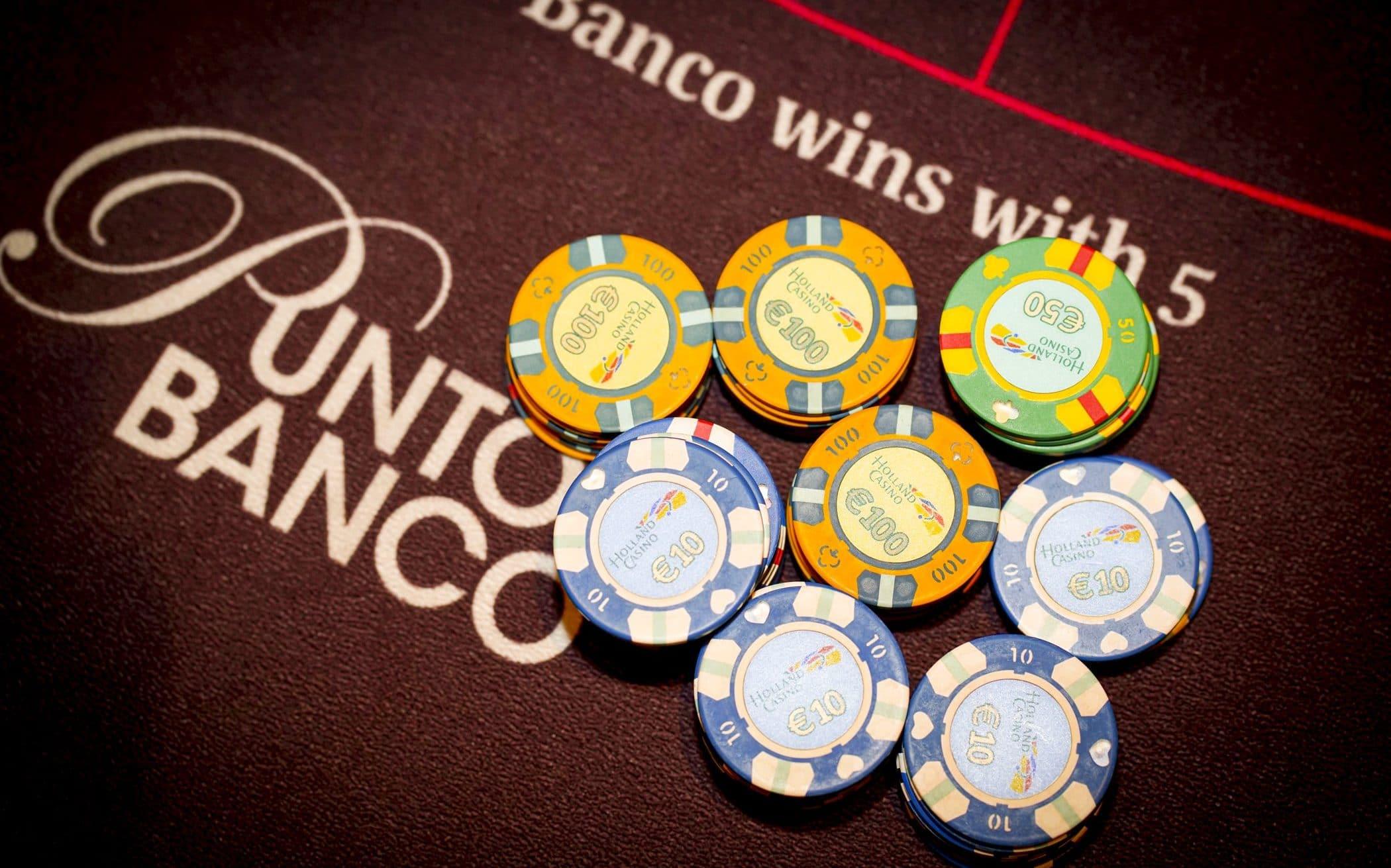 Holland Casino punto banco baccarat logo met chips