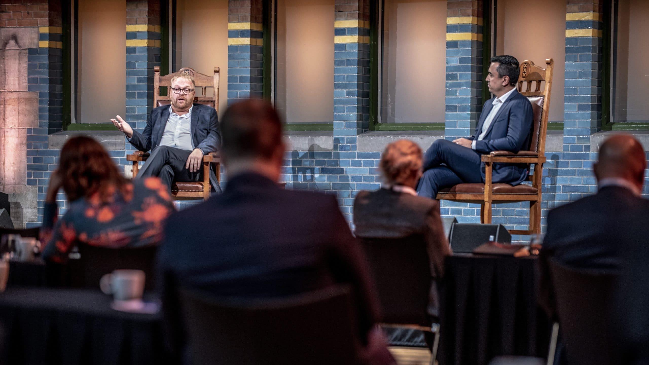 VAN Kansspelen voorzitter Frits Huffnagel (links) en Björn Fuchs (rechts) tijdens Gaming in Holland 2020