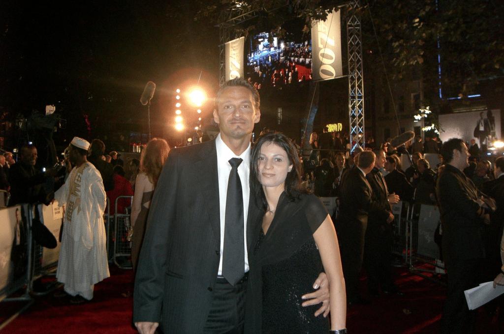 Andreas Daniel samen met zijn vriendin (inmiddels vrouw) op de rode loper tijdens de première van Casino Royale in Londen.