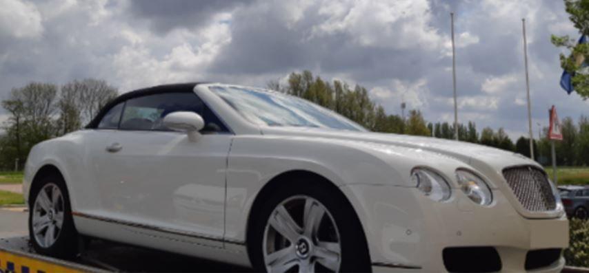 Bentley Continental GT inval Velsen