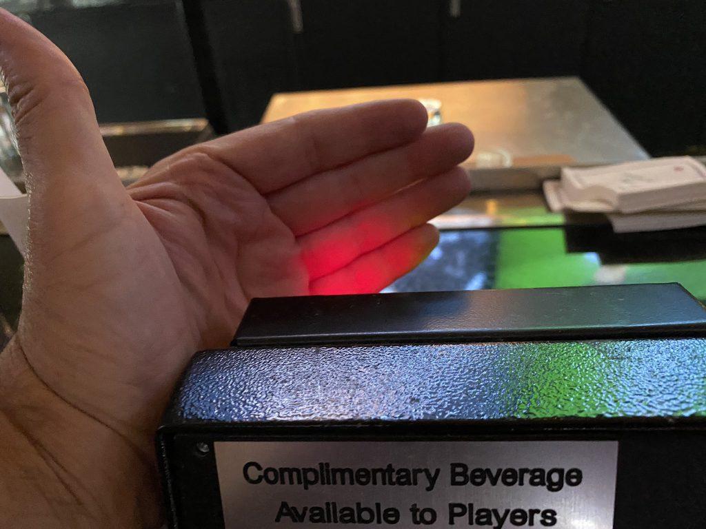 Een rood lampje betekent geen gratis drinken in Las Vegas